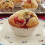 Ontbijtcakejes met blauwe bessen, frambozen en bramen