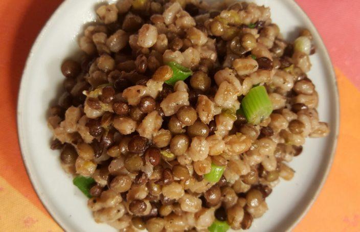 Recept: salade van bruine linzen en hele spelt